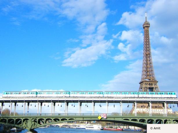 Paris Metro Eiffel Tower